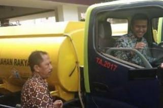 Pemkab Trenggalek Terima Bantuan Truk Tangki dari Kementerian PUPR