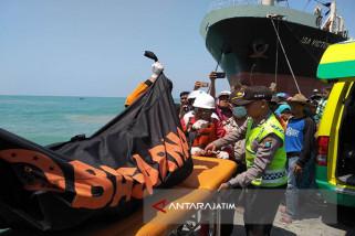 Tim SAR Temukan Tiga Mayat Korban Kapal Tenggelam di Pamekasan