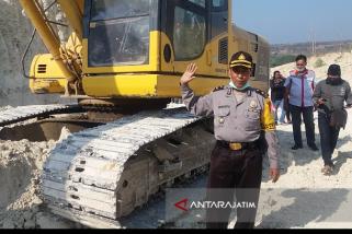 Petugas Gabungan Kembali Sidak Aktivitas Pertambangan di Situbondo (Video)