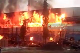 Kebakaran Stadion Surajaya Lamongan Diduga Korsleting Listrik