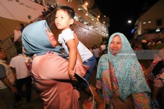 Keluarga Sambut Kepulangan Korban Gempa Palu