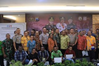 Polda Jatim-Ikatan Keluarga Papua Deklarasikan Pemilu Damai