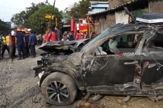 Sekeluarga Tewas Tertabrak KA di Pagesangan Surabaya