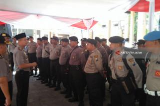 Polres Jember Bantu Pengamanan Pemugutan Suara Ulang Pilkada Sampang