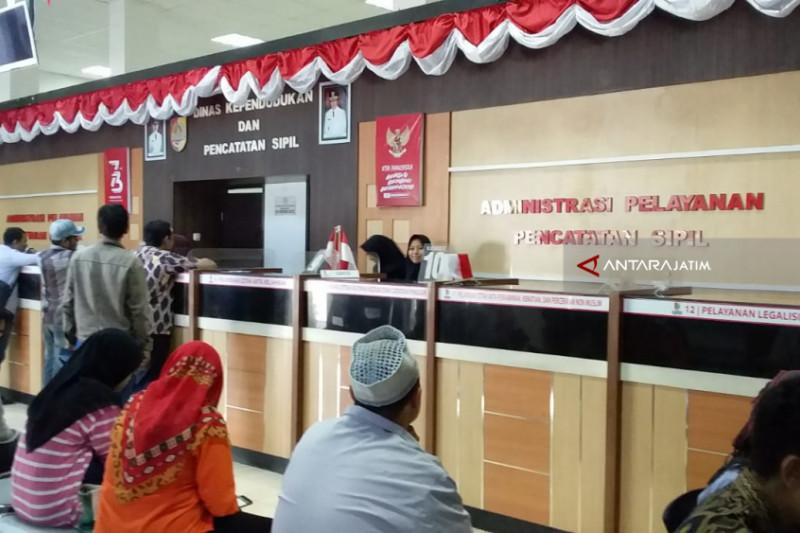 Catatan Akhir Tahun: Potret Buram Pelayanan Adminduk Jember Berujung OTT Pungli