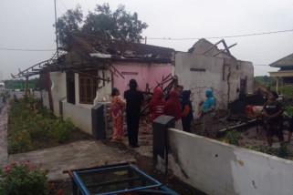 Sebelas Rumah di Sidoarjo Rusak Diterjang Angin Kencang
