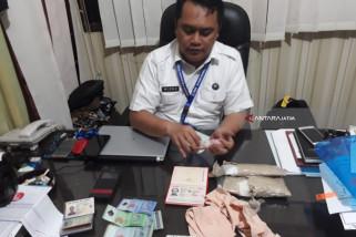 BNNP Jatim Tangkap WN Malaysia Penyelundup Sabu-Sabu