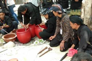 Senapati Nusantara Manfaatkan Air Blekutuk Untuk Jamasan