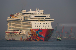 Kapal pesiar MV Genting Dream