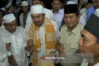 Prabowo Hadiri Maulid Nabi di Ponpes Situbondo