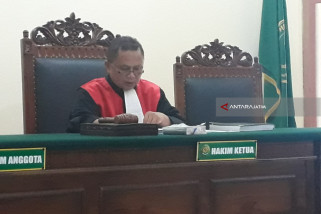 Hakim: Permohonan Ganti Identitas Kelamin Dicabut
