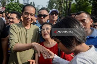 Jokowi Tunggangi Tracker W175 ke Braga