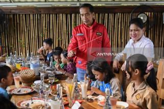 President Jokowi Greet Teachers of Teachers' Day