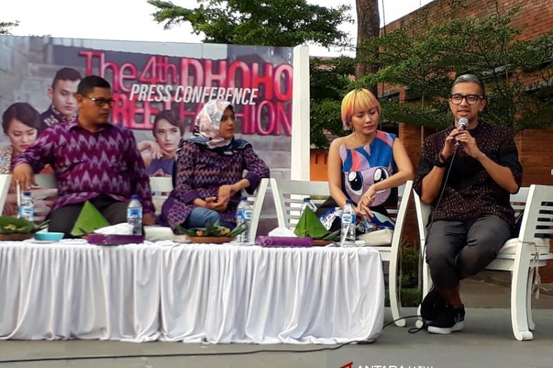"""Warisan Agung Panji-Sekartaji Diusung di """"Dhoho Fashion Street 2018"""""""