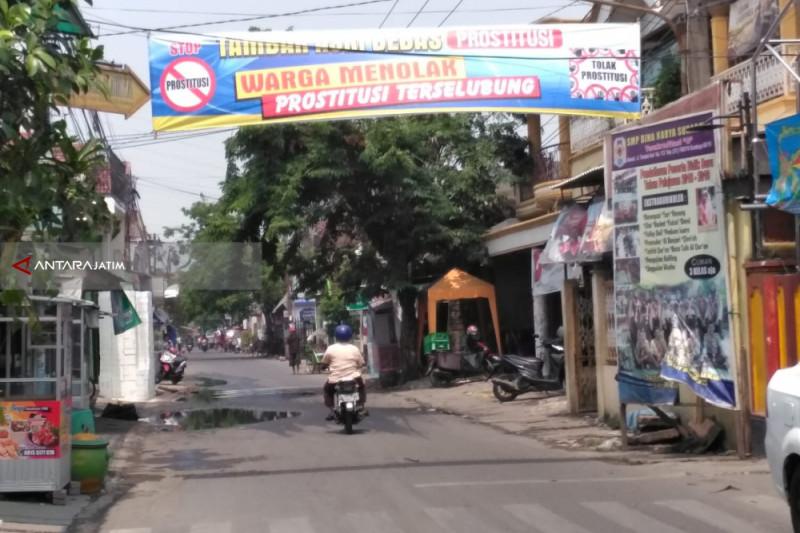Pemkot Surabaya Sikapi Keberadaan Prostitusi Terselubung Tambak Asri