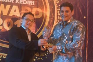 Wali Kota Kediri Raih Penghargaan Kategori Pemerintah Melek Teknologi