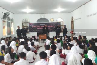 Ratusan Siswa SD Surabaya Diedukasi Bahaya Korupsi