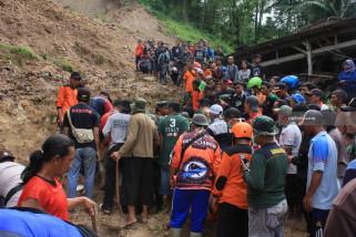 Banjir Bandang Dan Tanah Longsor Di Pacitan