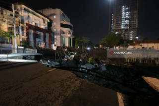 Police Confirm No Casualties In Gubeng Sinkhole Incident