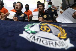 Imigrasi Kediri Amankan WNA