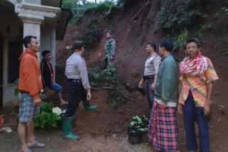Longsor Akibatkan Tiga Rumah di Ponorogo Rusak