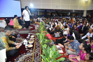 Risma Sebut Ada 7.900 Anak di Surabaya Berprestasi