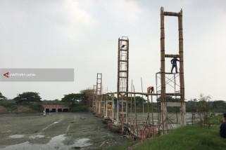 Ekowisata Mangrove Surabaya Kini Dilengkapi Jembatan Gantung dari Bambu (Video)