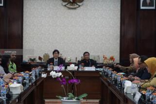 Delegasi Lee Kuan Yew School Belajar Tata Kelola Kota di Surabaya