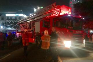 Bantu Evakuasi Jalan Ambles, Pemkot Surabaya Kerahkan