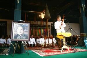 Sultan Cirebon harus reposisi agar tak ditinggalkan