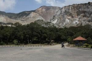 Wisata Kemah Gunung Papandayan Masih Menjadi Primadona