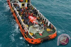 Kotak Hitam QZ8501  Ditemukan