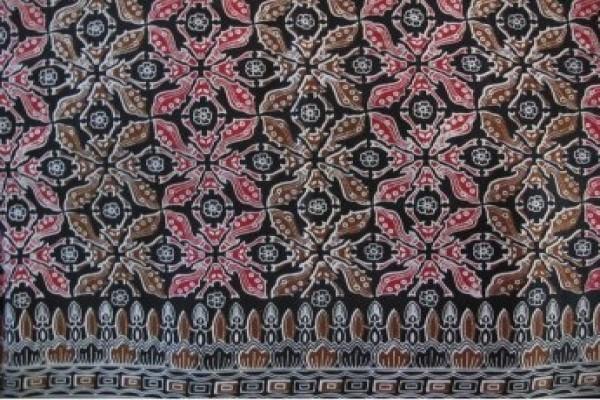 Batik Jadi Tema Utama