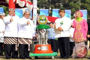 Gubernur-Wagub Jabar Kompak Sampaikan SPT Melalui E-Filing