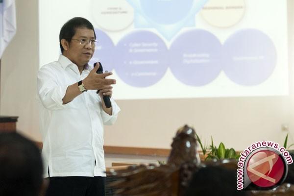 Menkominfo Sebut Indonesia Sudah Bebas