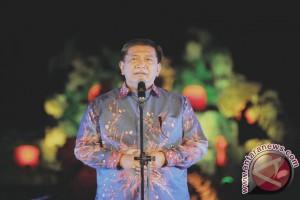 Jokowi Disambut Deddy Mizwar di Lanud Wiriadinata