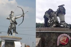Polisi Selidiki Pembakaran Patung Arjuna di Purwakarta