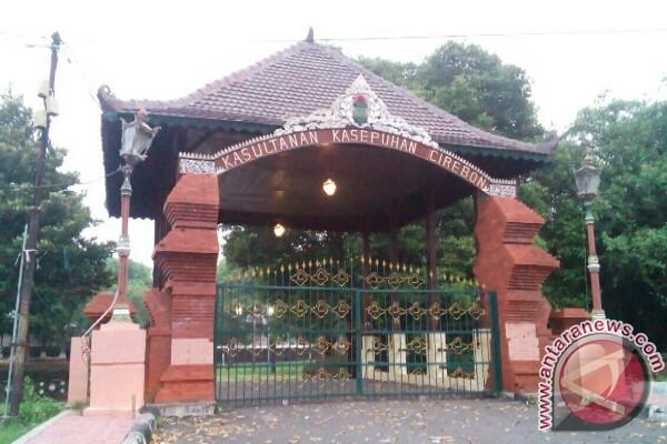 Keraton Kasepuhan Cirebon minta pemkot serius tata pariwisata