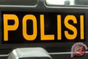 Polisi Geladah Rumah Terduga Teroris di Bandung