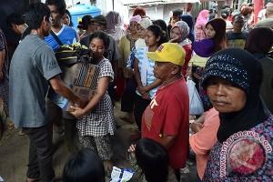 Artis Asal Jabar Hibur Korban Banjir Garut