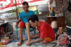 Kisah Kedermawanan Kaki Palsu Asal Bandung