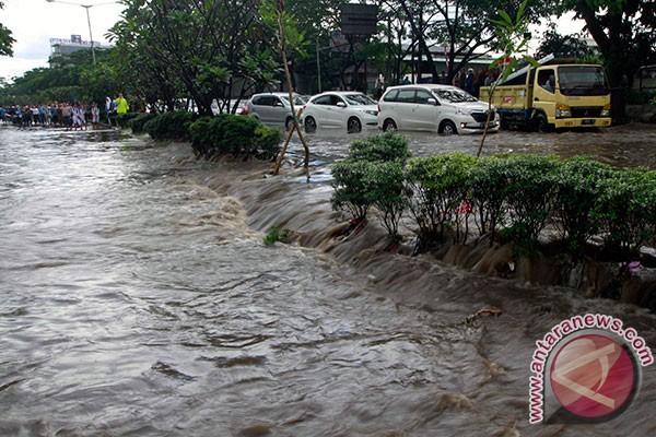 Cara kontestan Pilwalkot Bandung selesaikan banjir