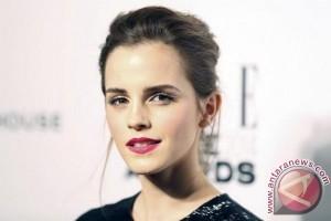 Emma Watson Sembunyikan 100 Buku di Kereta Bawah Tanah