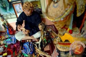 Budayawan Bogor Tampilkan Pertunjukan Wayang Bambu