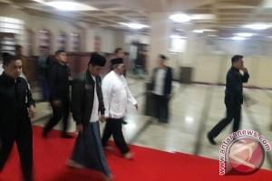 Jokowi Shalat Subuh di Masjid Raya Bandung