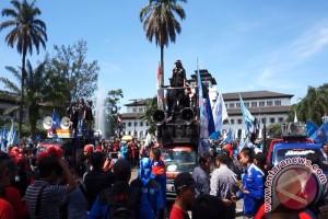 Serikat Pekerja Cianjur Berharap UMK 2018 Naik