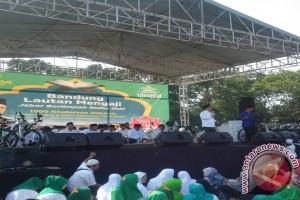 Ribuan Jamaah Antusias Ikuti Bandung Lautan Mengaji
