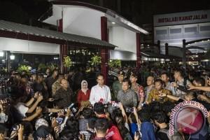 Jokowi-JK Jenguk Korban Bom