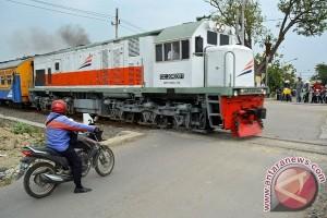 Rel Kereta Api Jalur Selatan Jabar Kembali Normal