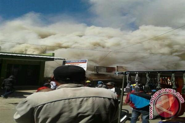 Toko Grosir di Kabupaten Bandung Terbakar